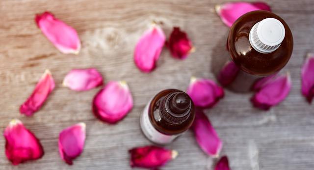 essential-oils-2536443_640